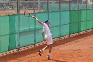 Stefanos Tsitsipas (*98 / GRE) - one-handed backhand - follow through - 2015 European Junior Tennis Ch.