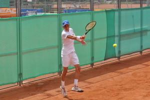 Stefanos Tsitsipas (*98 / GRE) - forehand - follow through
