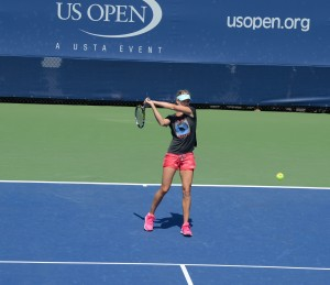 Eugenie Bouchard (*1994 / CAN) - Two-handed backhand in 3.0 style during the warm-up at 2014 US.Open
