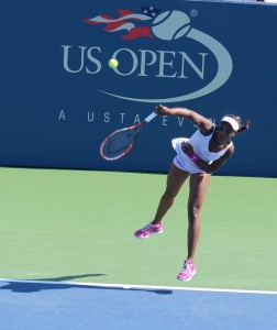 Sloane Stephens (*93 / USA) - Serve - Follow through - 2014 US.Open
