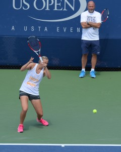 Petra Kvitova (*90 / CZE) - Forehand in the practice - folow through - 2014 US.Open - NYC
