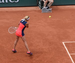Timea Bacsinszky (*89 / SUI) - Two-handed backhand in the match - 1 of 2 - 2017 French Open - Paris