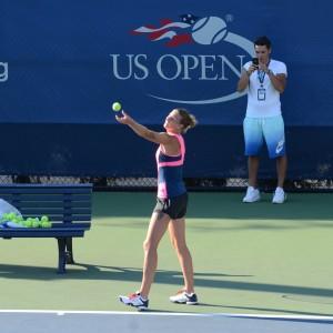 Karolina Pliskova (*92 / CZE) - serve in practice before the 2016 US.Open - NYC / USA - August 2016