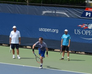 Andy Murray (*87 / GBR) - 1st service in the practice - 1 of 3 - ad side - start - both coaches Ivan Lendl (CZE / USA) and Jamie Delgado (GBR) watching - 2016 US.Open - NYC