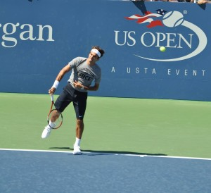 Roger Federer (*81 / SUI) - 1st service in the practice - 1 of 1 - deuce side - start - 2009 US.Open - NYC