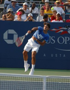 Roger Federer (*81 / SUI) - 1st service in the practice - follow through 1 = targeted pronation - 2007 US.Open - NYC