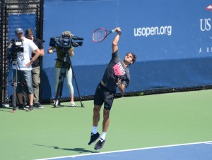 Roger Federer (*81 / SUI) - 1st service in a practice - 1 of 4 - start - 2014 US.Open - NYC