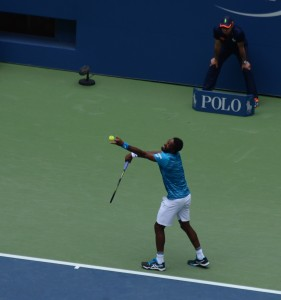 Gael Monfils (*86 / FRA) - 1st service 3.0 in the match - 1 of 7 - toss - 2016 US.Open - New York / USA